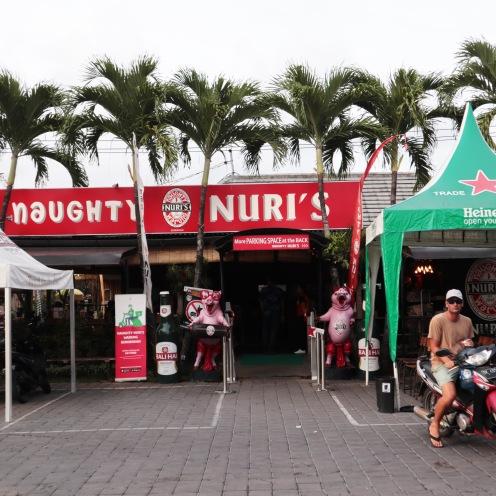 Naughty Nuri's Tampak Luar
